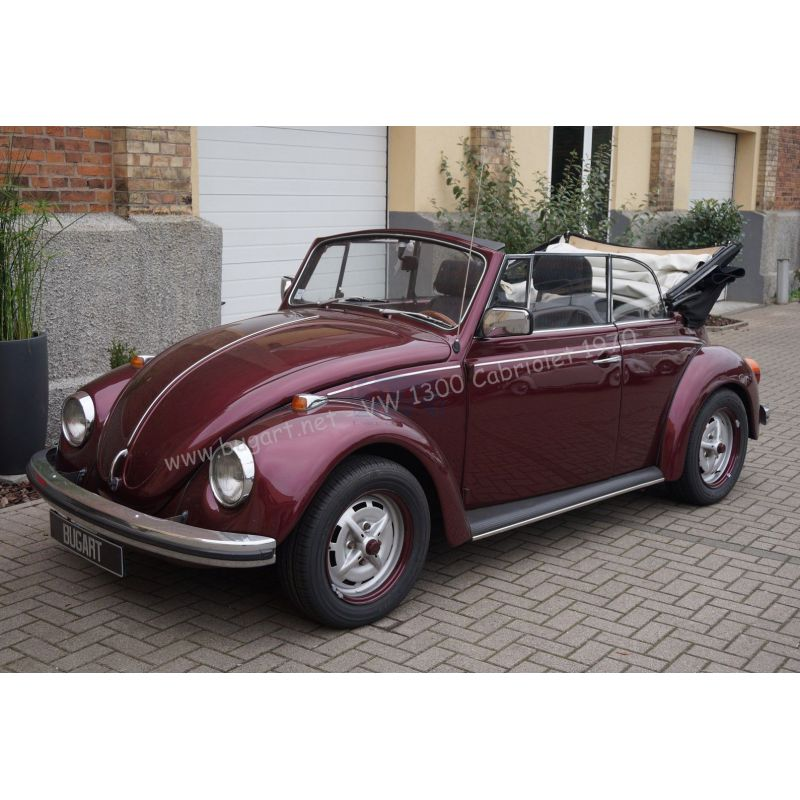 vendue vw coccinelle 1300 cabriolet violet fonc 1970 bug 39 art. Black Bedroom Furniture Sets. Home Design Ideas