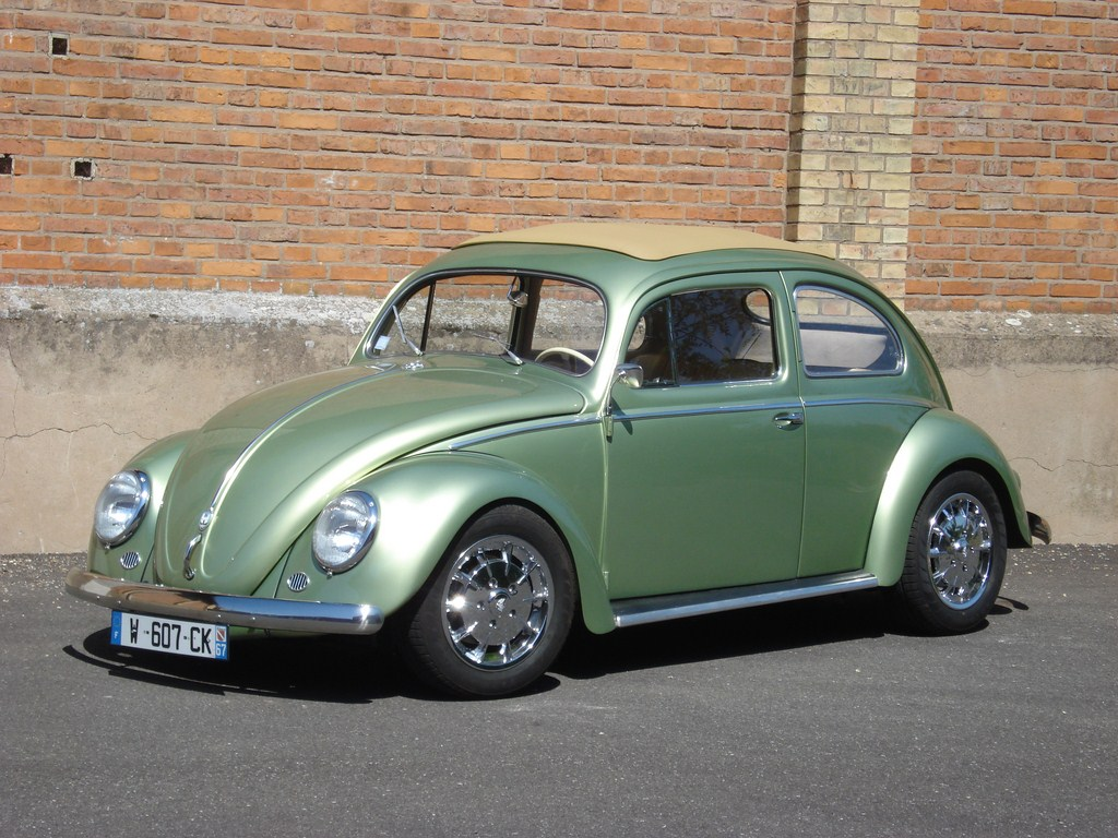 VW Ovale verte